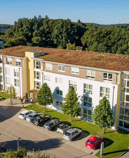 Servicehaus Sonnenhalde Pflegeheim Westerheim Vorderansicht