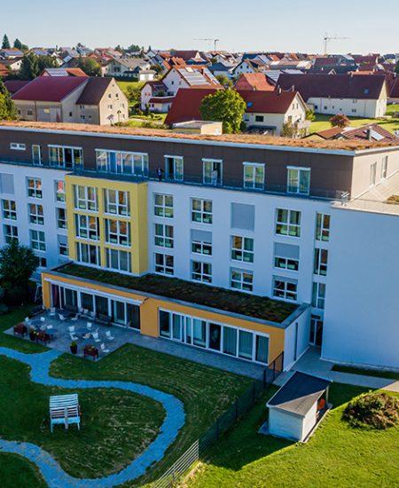 Servicehaus Sonnenhalde Pflegeheim Westerheim Gartenseite